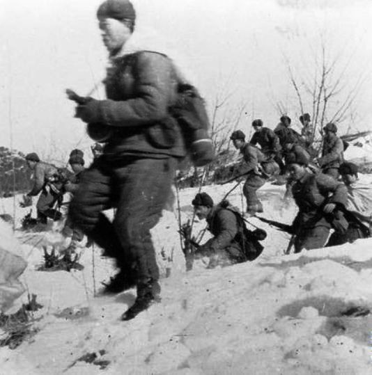 Chinese Foot Soldiers In The First Winter Of Korean War 1950 1951 Korean War Korean History War