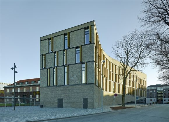 http://www.3xn.com/#/architecture/by-year/54-frederiksberg-courthouse