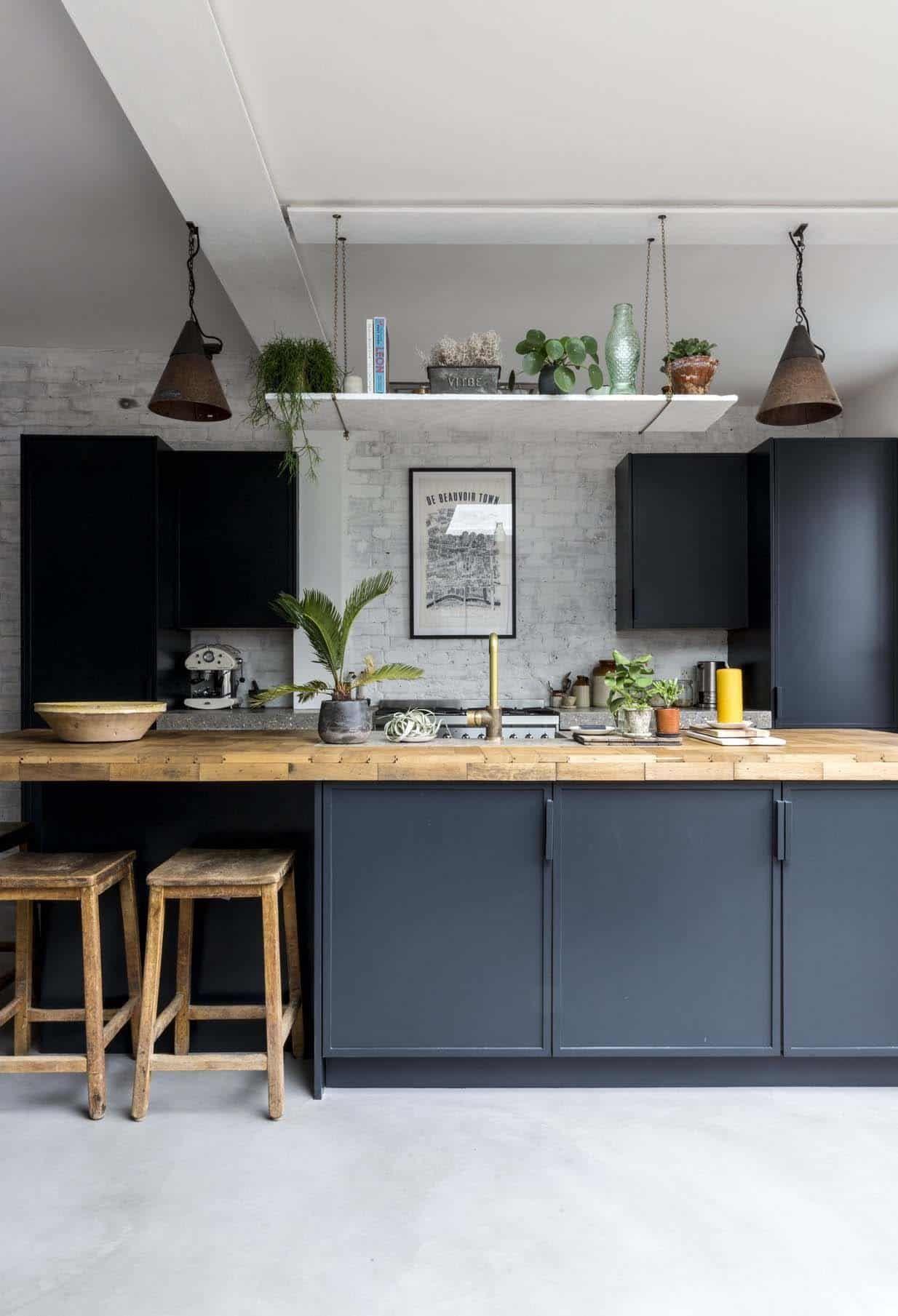 1890 S Victorian Cottage In England Gets A Fascinating Transformation Kitchen Flooring Kitchen Island Storage Best Flooring For Kitchen