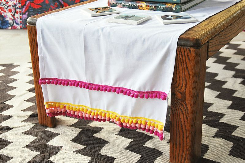 Diy pom pom table runner diy sewing table sewing for