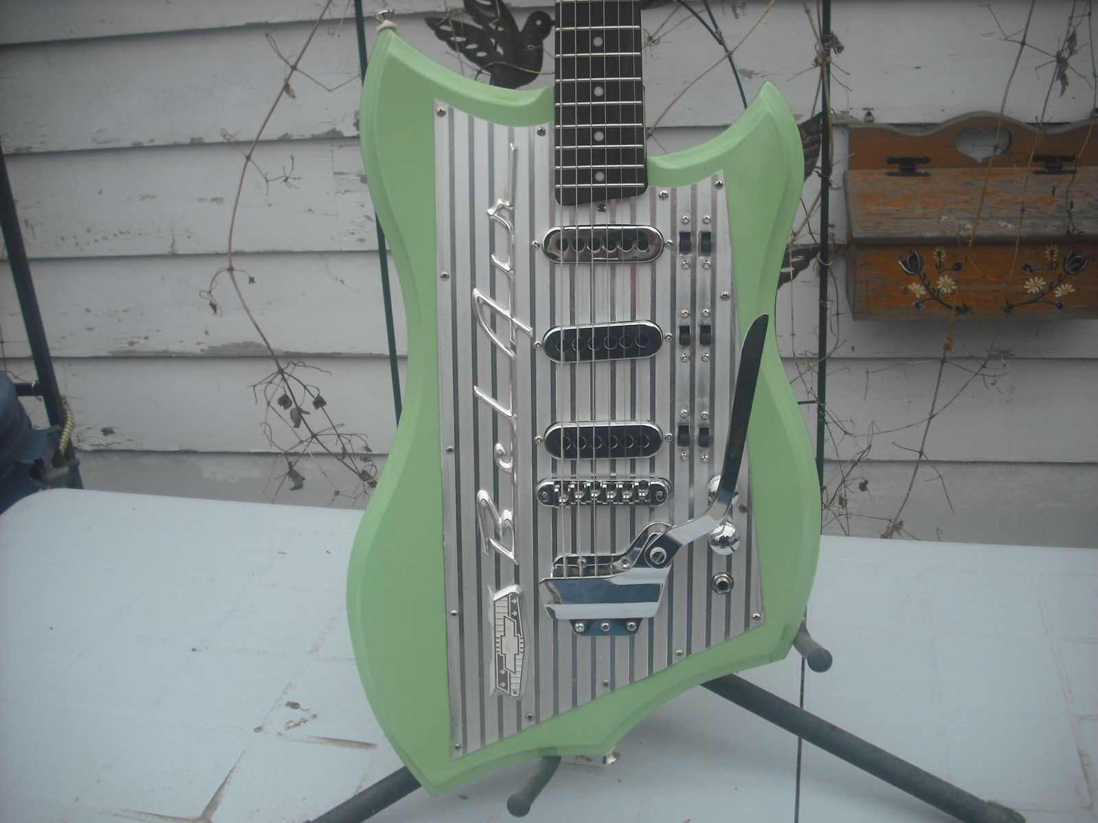 Pin By Robert Goode On Car Guitars Guitar Building Custom