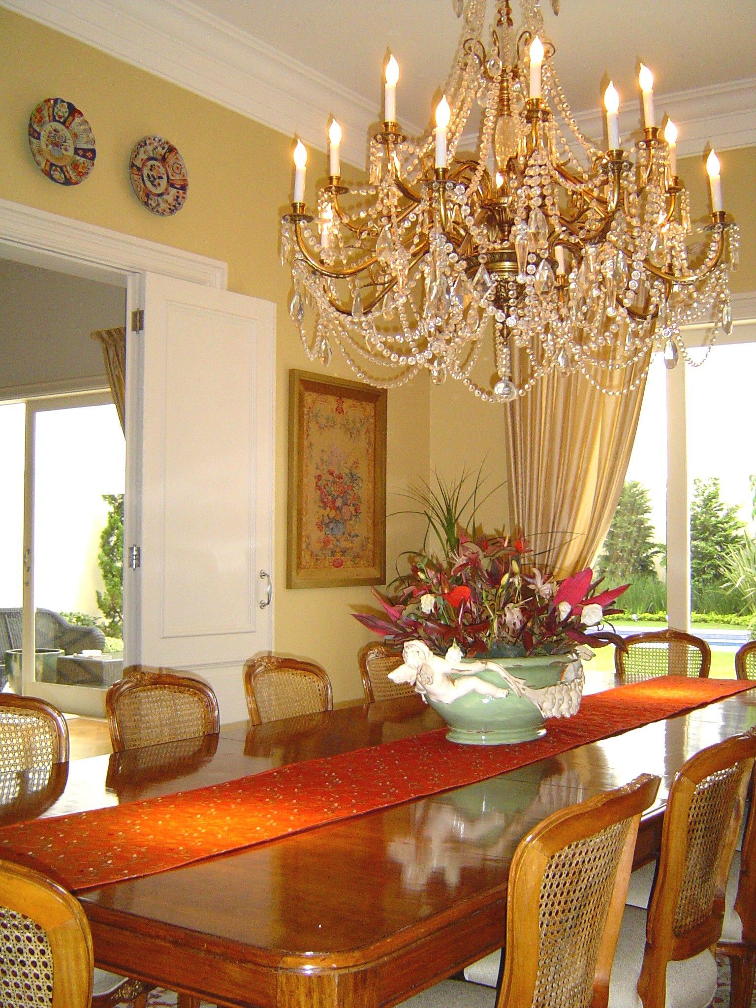 Sala de jantar clássica residência Jardins | Sala de jantar clássica,  Ideias de decoração, Salas