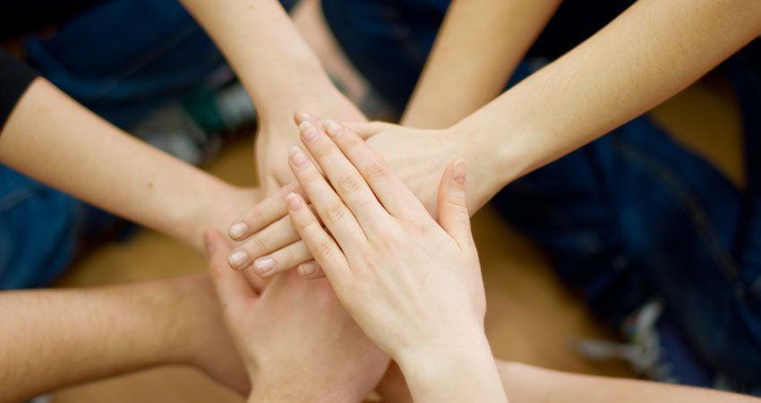4 Ways To Bond At Cheer Camp Cheer Camp Cheer Games Cheer Practice