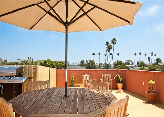 Townhome Vacation Rental In Venice Beach From Vrbo Com Vacation Rental Travel Vrbo House Rental Beach Vacation Rentals Vacation Rental