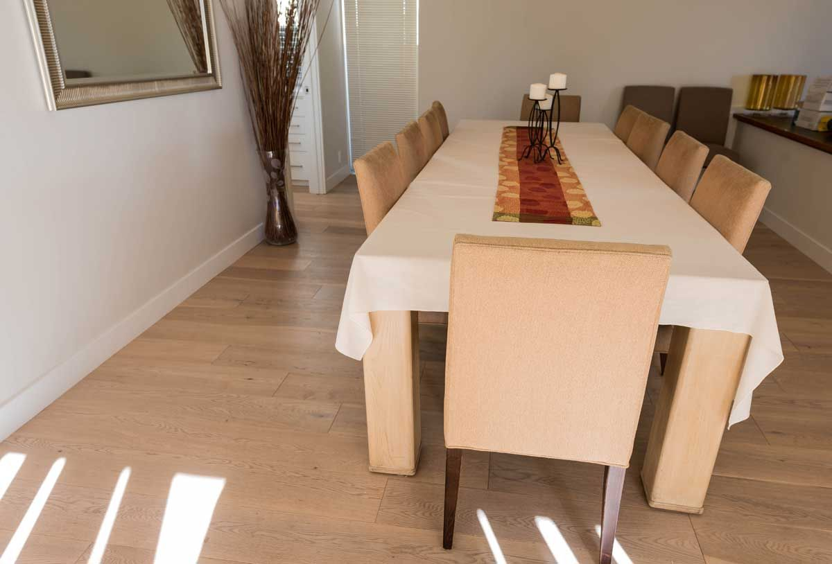 Differences Between Unfinished & Prefinished Hardwood