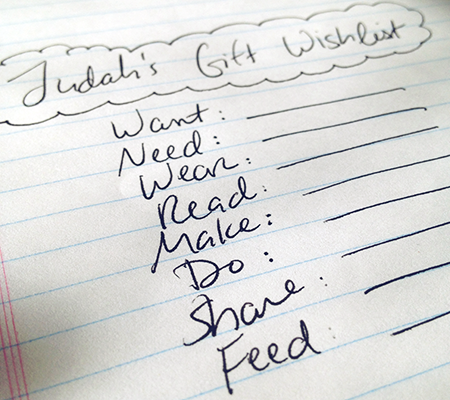 Want, Need, Wear, Read, Make, Do, Share, Feed: A Holiday Baby Wish List   >> want.need.wear.read.