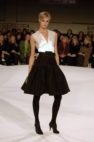Oscar de la Renta Pre-Fall 2008 Collection Photos - Vogue