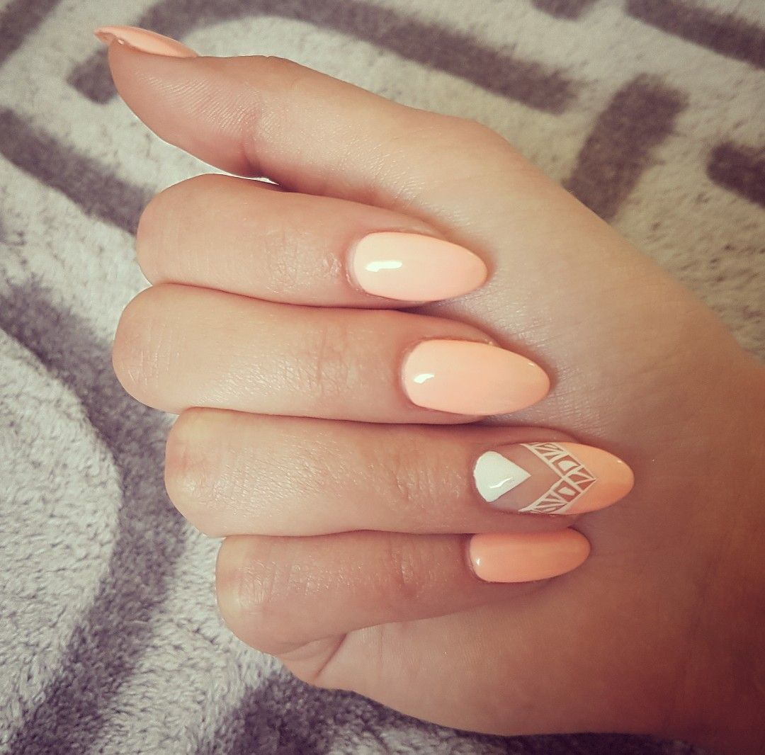 French Nägel Nails Nailart Nageldedign Apricot White Muster