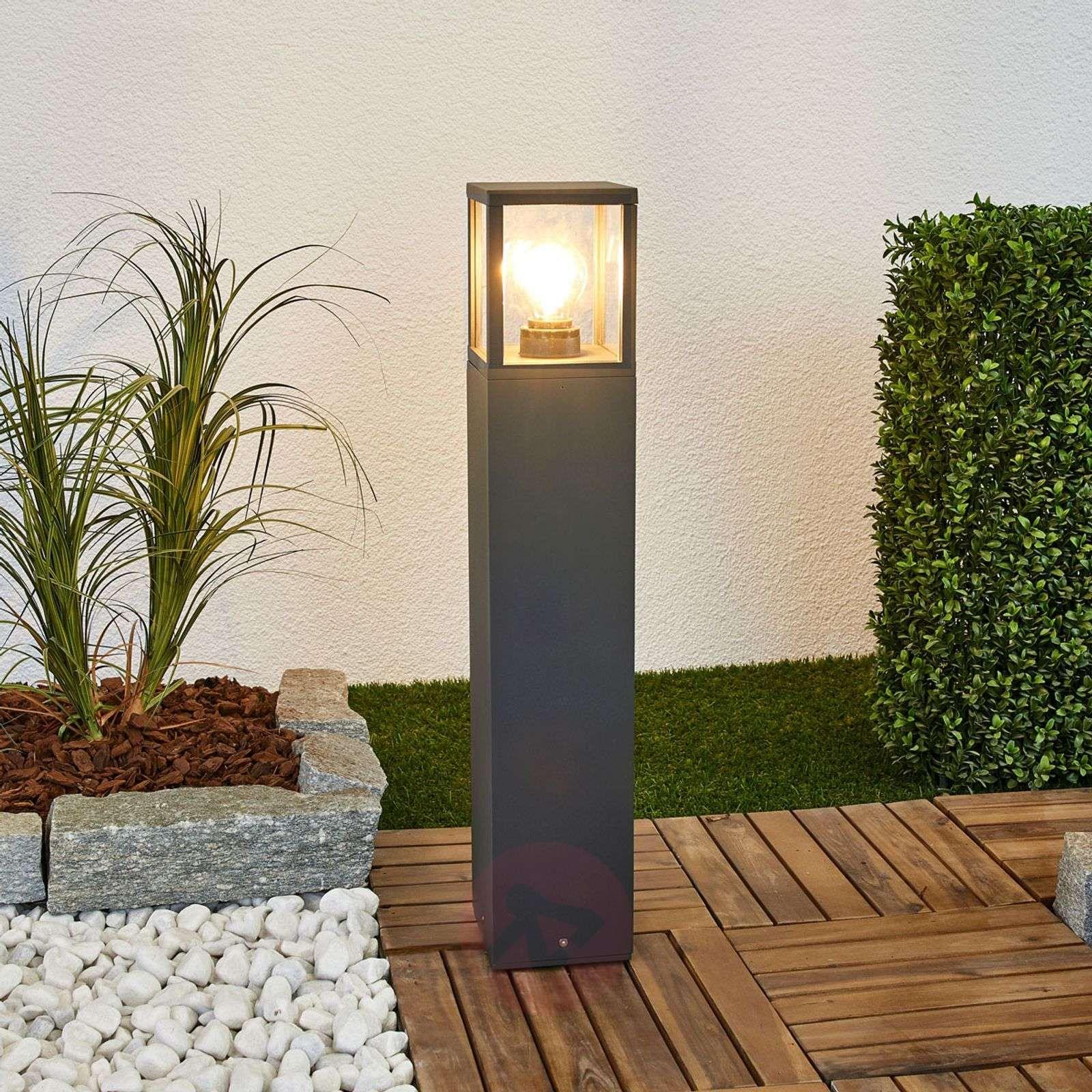 lampy ogrodowe kule stojące | słupek ogrodowy z czujnikiem