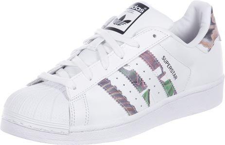 548e30cd0e81 ADIDAS SUPERSTAR Ein absoluter Klassiker wird von Adidas immer mal wieder  neu releast  Der Adidas Superstar Schuh.- Farbe  Weiß Blumenmuster-  gepolsterter ...