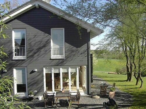 schwedenhaus fertighaus pinterest schwedenhaus hausfassaden und fassaden. Black Bedroom Furniture Sets. Home Design Ideas