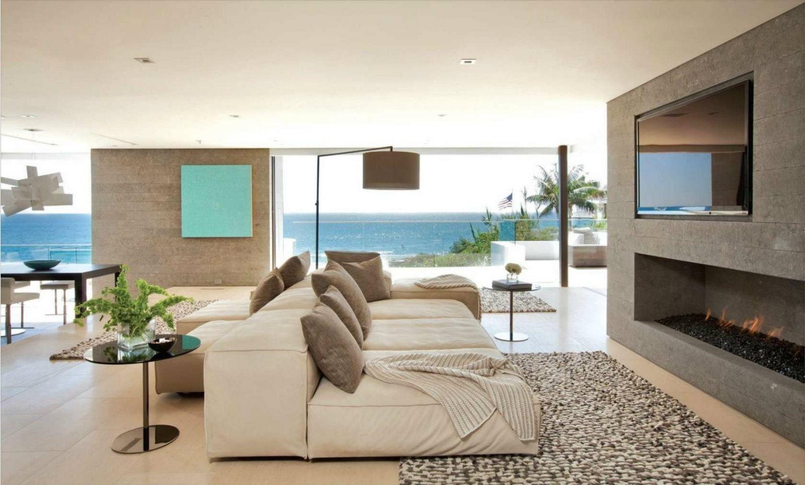 Conheça nossa seleção com 75 fotos de sofás com chaise em salas de ...