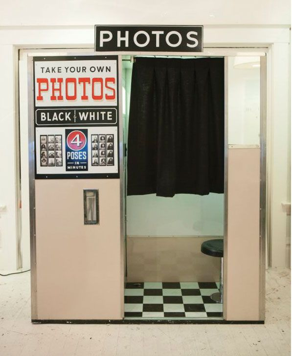 Photobooth For Sale The Rest Of The Story Vintage Photo Booths Photo Booth Vintage Chic