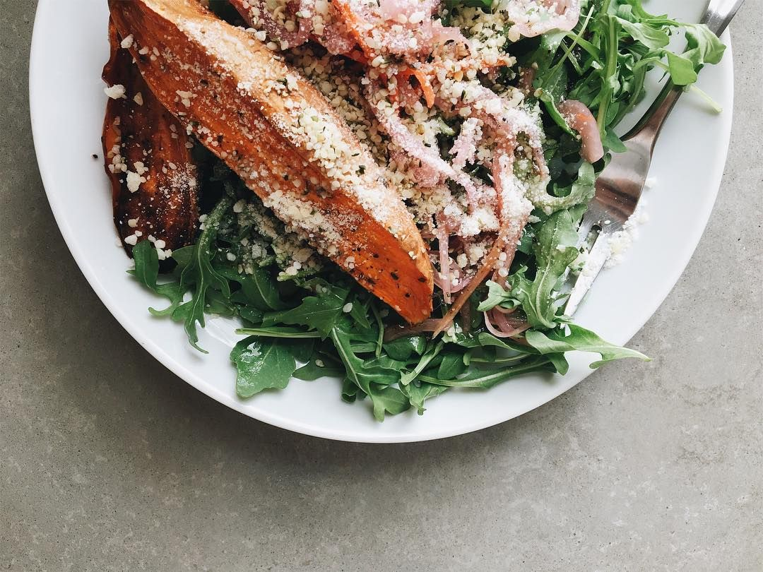 Fridge clear out lunch isnt looking too bad. Arugula  roasted sweet potatoes  pickled onions  parm  hemp seeds  vinaigrette.  (sproutedkitchen)  The post Fridge clear out lunch isnt looking too bad. Arugula  roasted sweet potatoes  pickled onions  parm  hemp seeds  vinaigrette. appeared first on Forever Fit Fam.