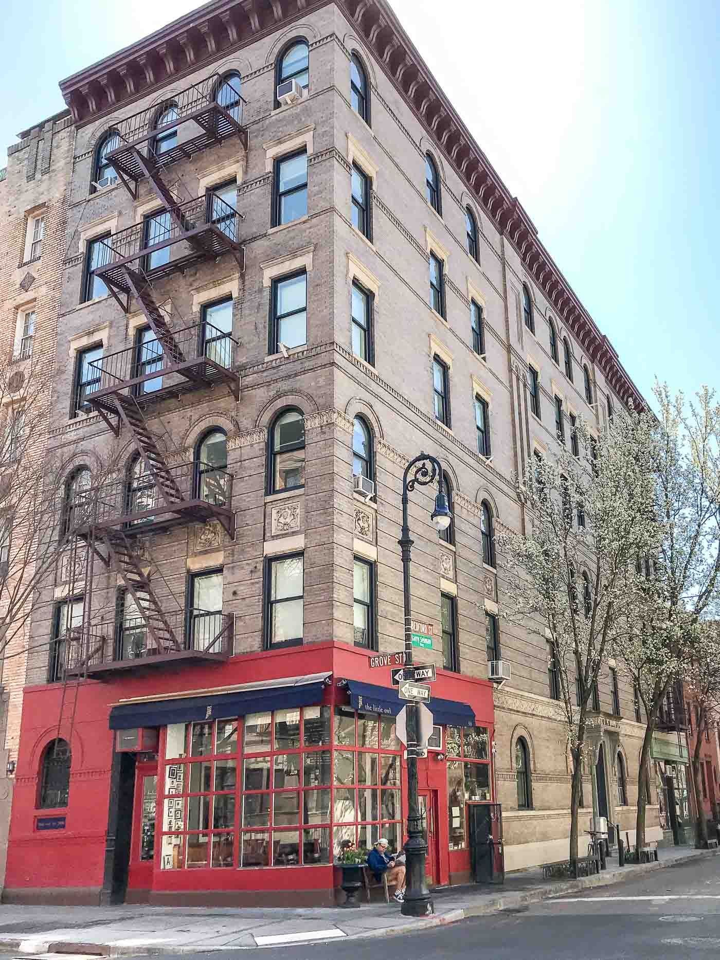 Friends Apartment In New York City Greenwich Village Where Monica And Rachel Lived Nyc Newyorkcity Travel Travelguide