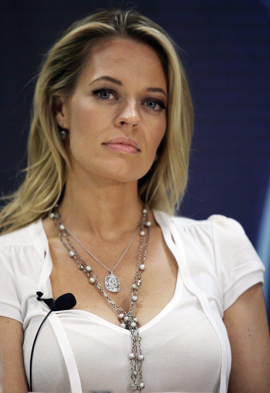 picture Jennifer Holmes (actress)