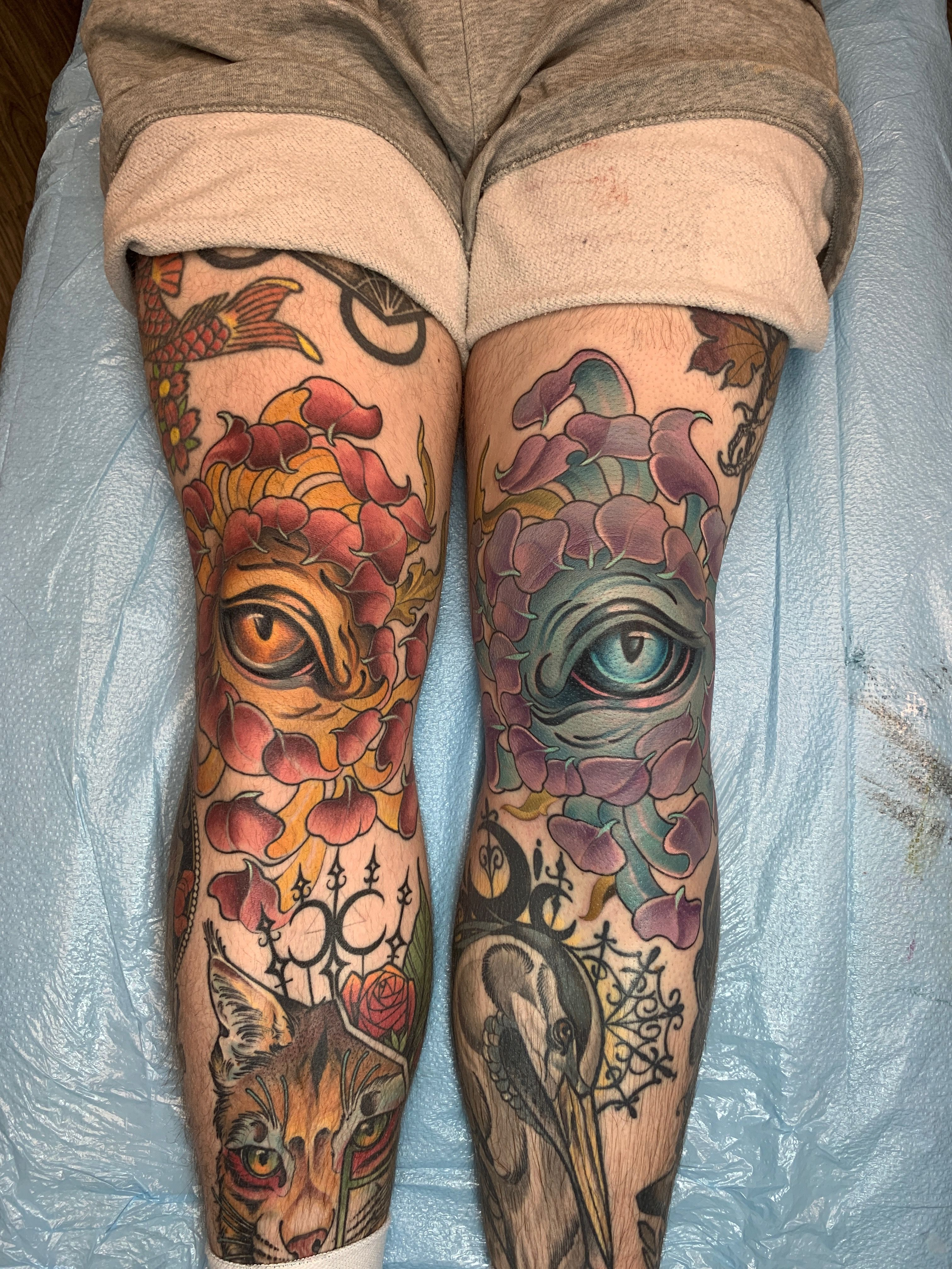 Meliis Eye Of Black Sage Studio Working On Miloalfring Knees Follow Blacksagestudio For All Your Tattoo And Tattoo Remov Tattoos Art Tattoo Life Tattoos