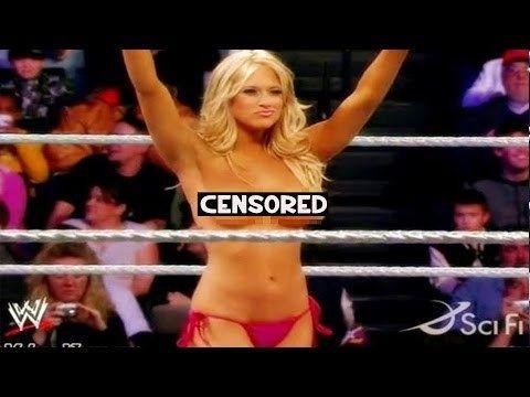 Wardrobe Malfunctions In Wwe 10 Revealing WWE Diva ...