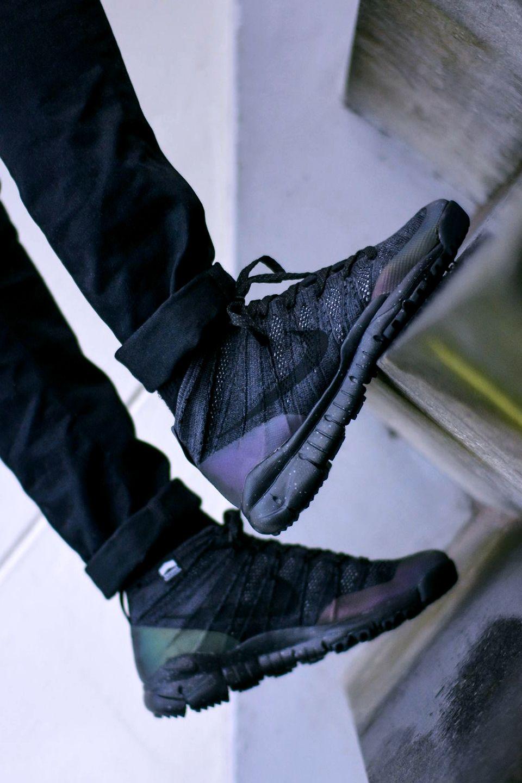 Nike Flyknit Trainer Chukka FSB (via FreshCotton)