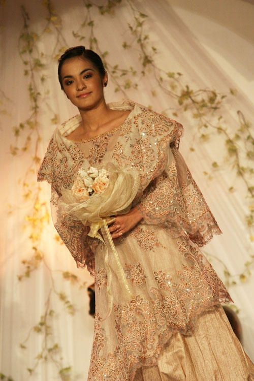 Maria clara wedding gown | Modern Filipiniana | Pinterest | Gowns ...