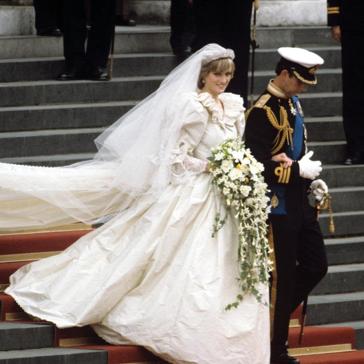 Royal Wedding Dresses Through The Years Princess Diana Wedding Dress Princess Diana Wedding Royal Wedding Dress [ 1226 x 1226 Pixel ]