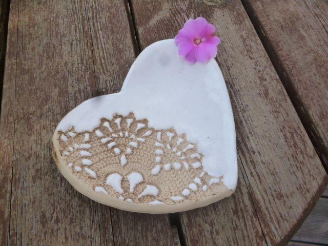 Schale aus Keramik - Herz/weiß von KeramikSchneider auf DaWanda.com