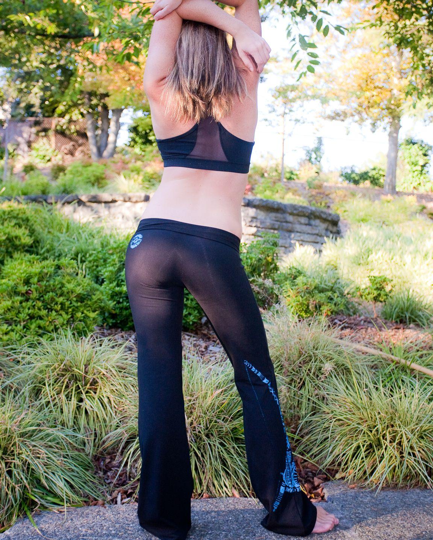 Le Donne Nei Pantaloni Yoga