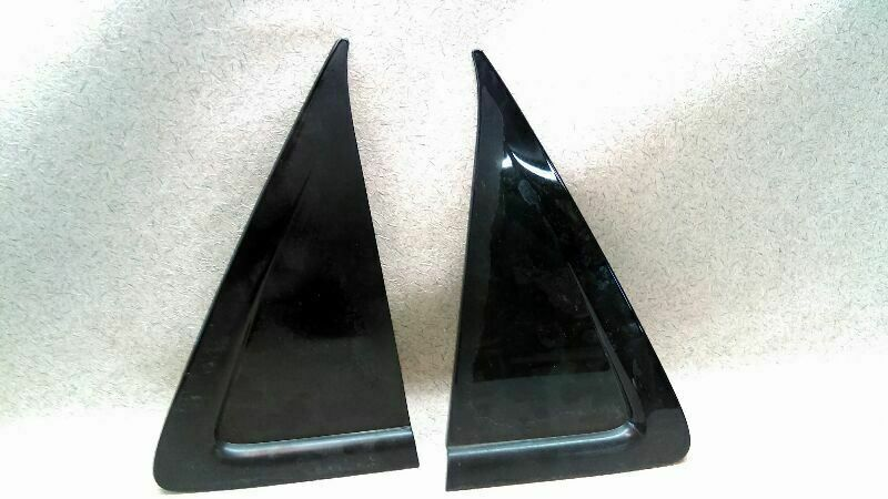 Pair Rear Door Trim Triangle Corner Molding 02 03 04 05 06 07 Rendezvous Aa Buick Corner Moulding Car Parts And Accessories Door Trims