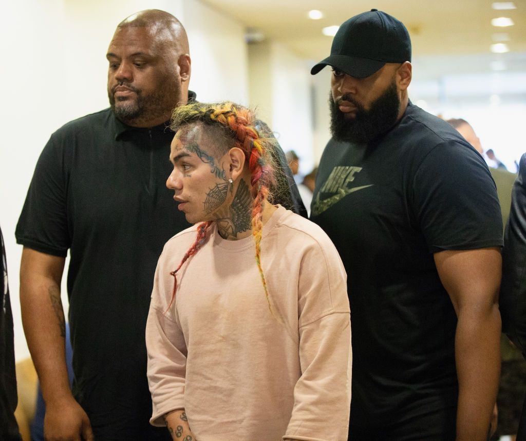 6ix9ine Fears For His Safety During Community Service In 2020 Rapper Prison Judge