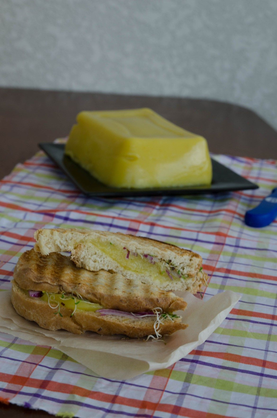 Receita de queijo vegetal produzido com mandioca, o resultado derretido é surpreendente! Faça você mesmo!