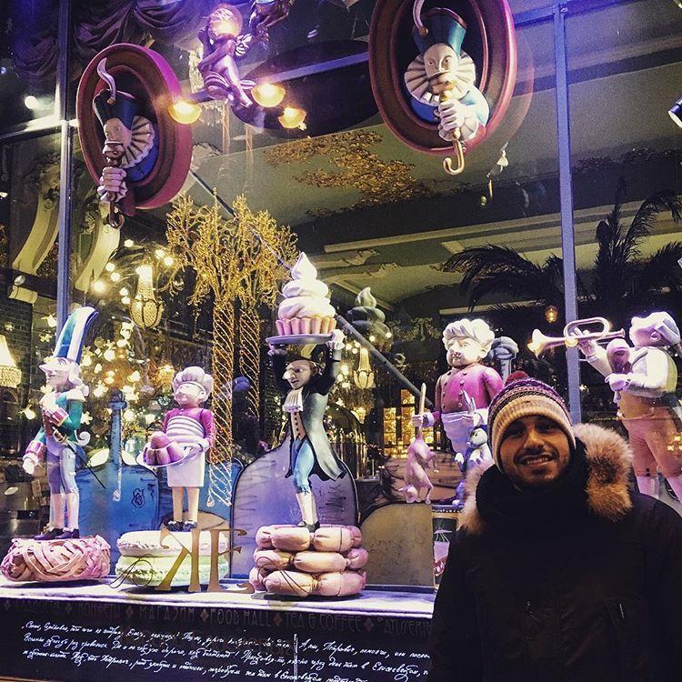 #saintpetersburg #stpetersburg #food #russianfood #foodblogger #foodtasting #russia #holidays #boutique #exellence #rarefood #luki #citylife #streetphotography #citylife #sausages #macarons #vodka #caviar #eliseyevemporium