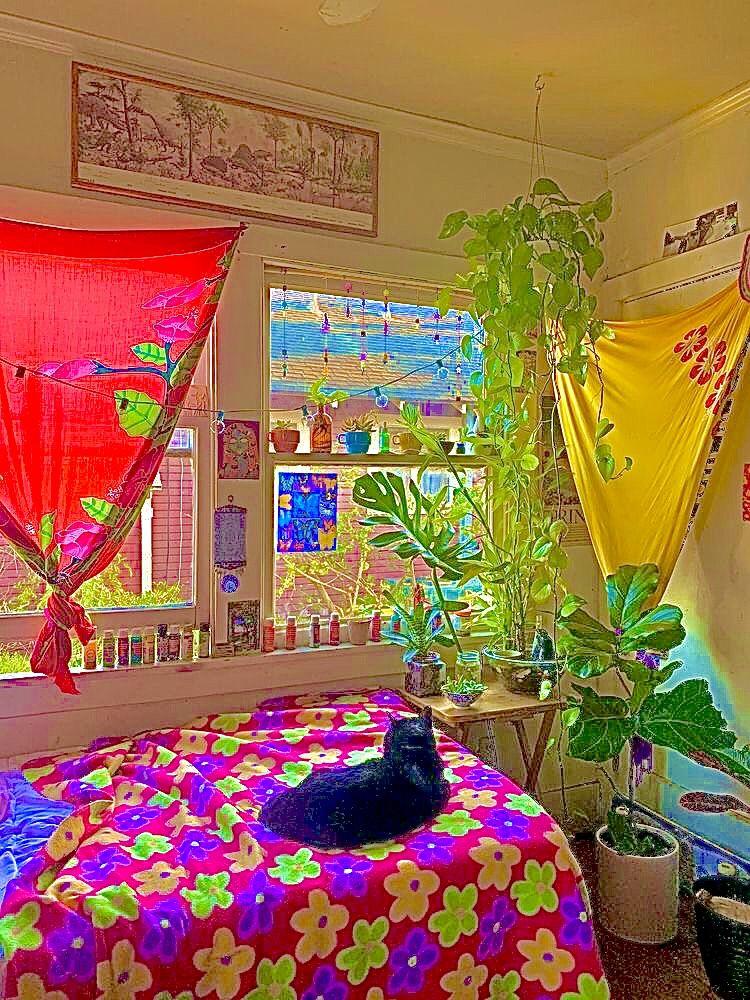 @frogtoaser in 2020 | Indie room, Retro room, Aesthetic ...