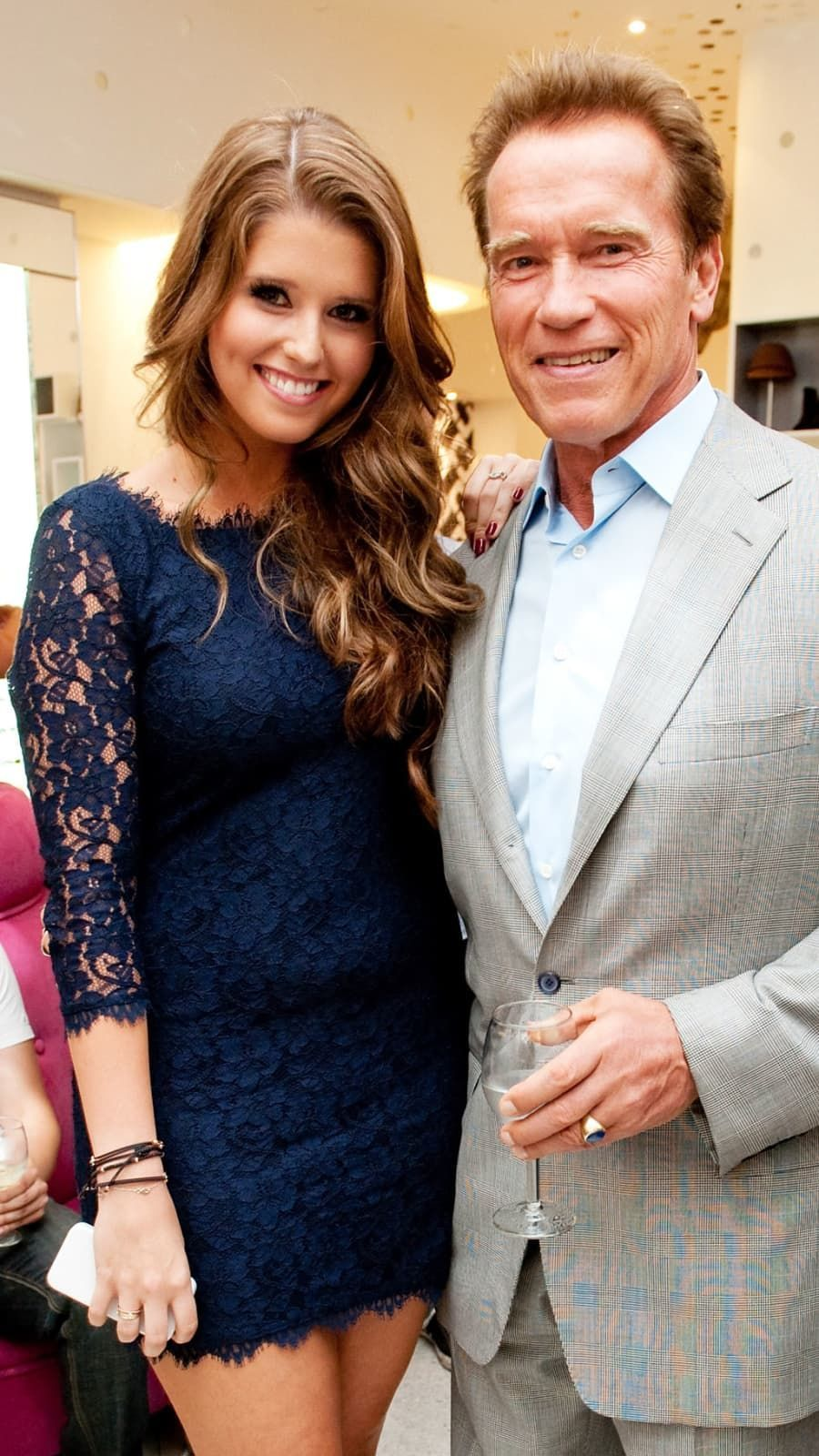 Arnold Schwarzenegger And Her Daughter Katherine Attend Trust Your Senses At Dvf For Fashion S Night Out On In 2020 Arnold Schwarzenegger Schwarzenegger Beautiful Film