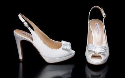 15530-513c-raso-15512-513c-piel-y-15567-513c-cristal-zapatos-de-novia-2015-angel-alarcon