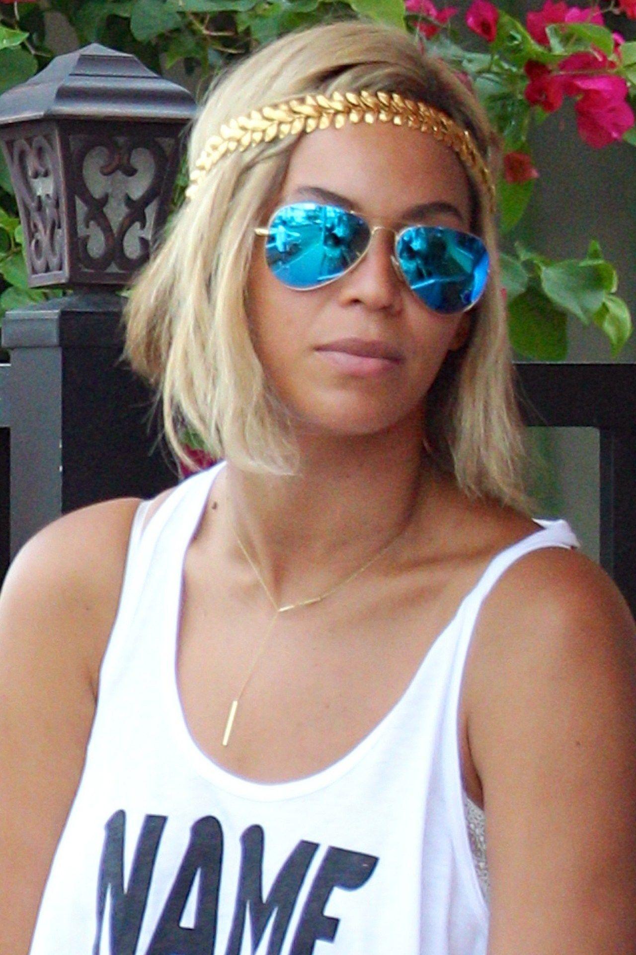 9ae2ea607819b Beyoncé  Hair Style File   Queen B   Pinterest   Lunettes et ...
