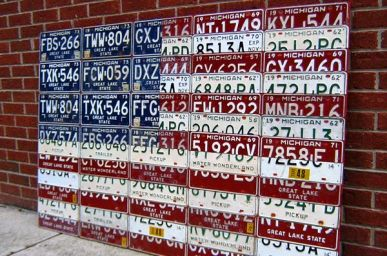 Projects with Recycled License Plates | License Plate Art and Maps could be doable on a smaller scale
