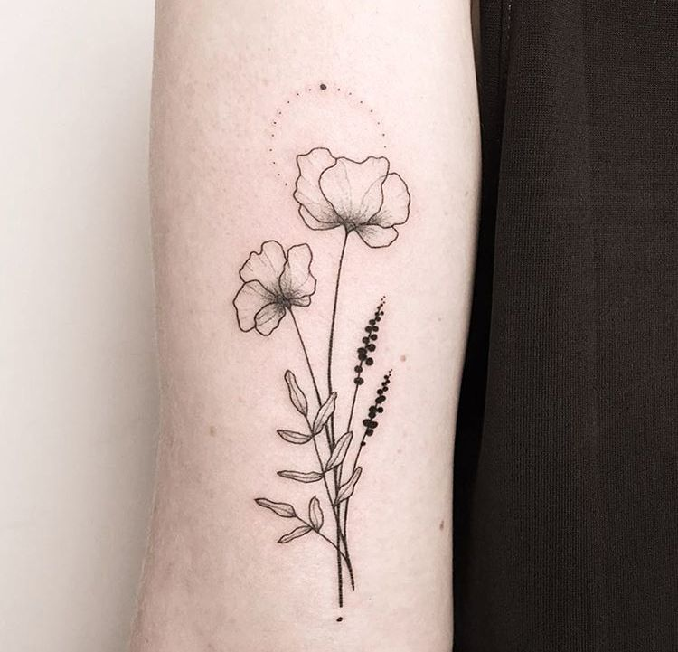 Pin By Belu Nicotena On Ink Simple Flower Tattoo Poppies Tattoo Delicate Flower Tattoo