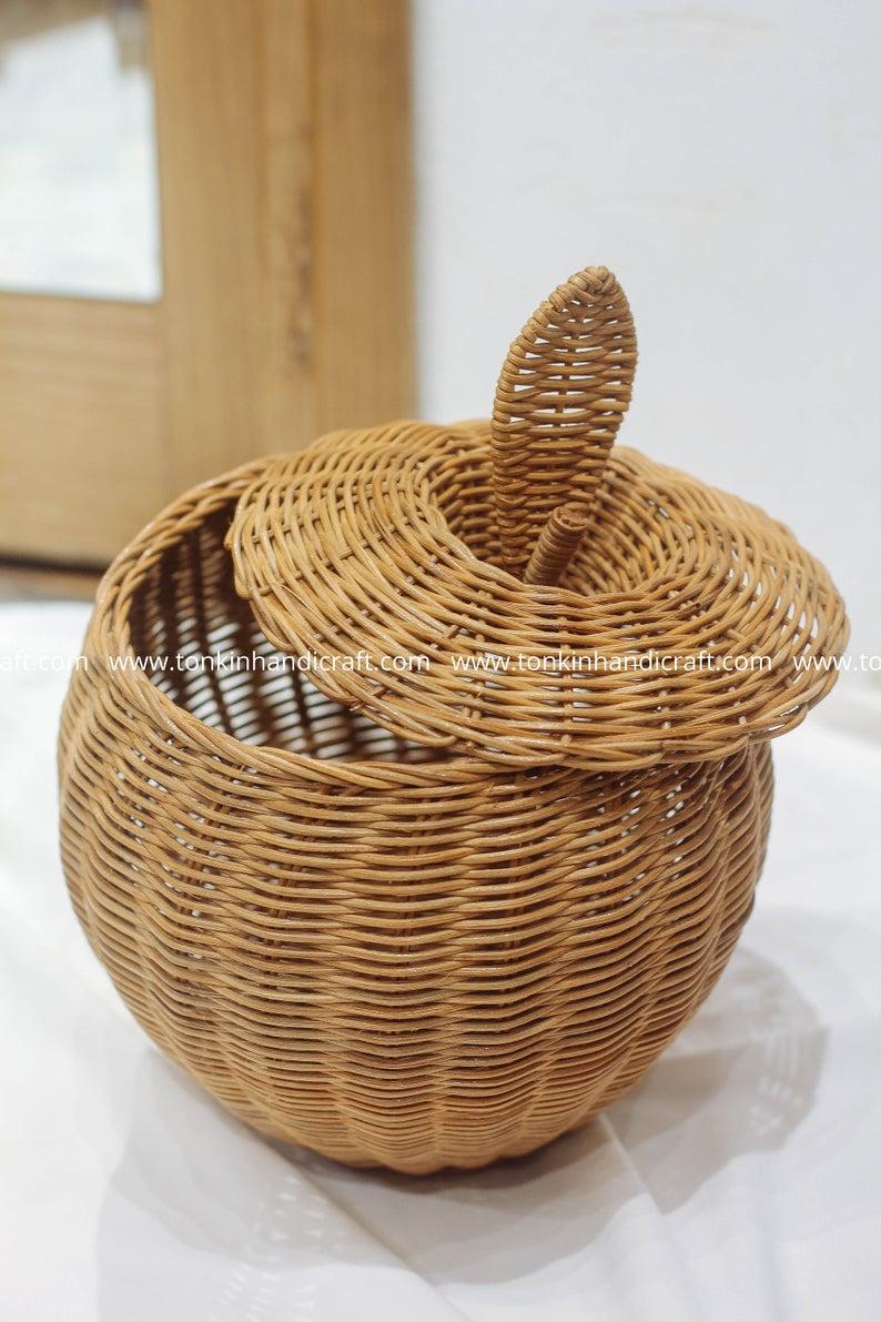Apple Woven Rattan Round Decorative Fruit Baskets Display Storage Wicker Holder Natural Handmade Handicraft Vintage Storage In 2020 Woven Baskets Storage Wicker Baskets Storage Woven Decor