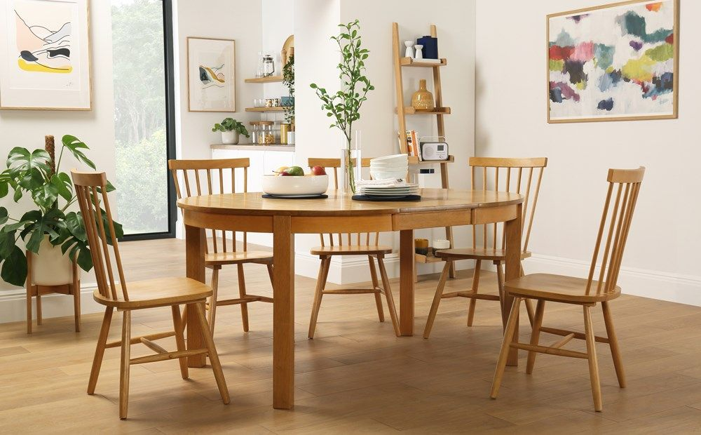 Marlborough Round Oak Extending Dining Table With 6 Pendle Chairs