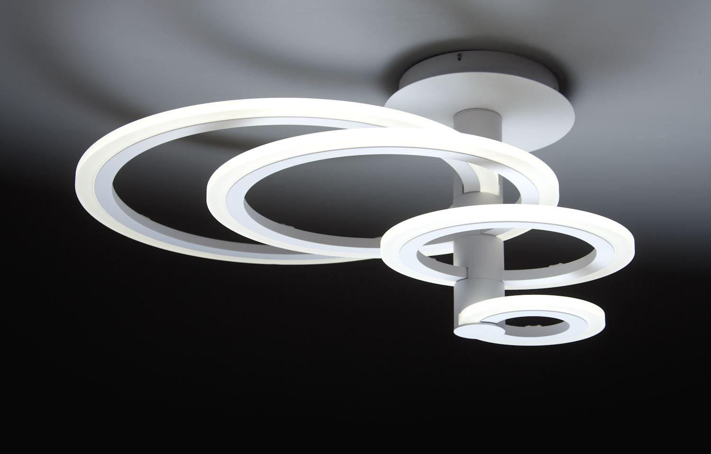 Lampadario sospeso con montatura in alluminio brunito e vetro satinato bianco. Horreari Shop Round 4c Lampadario A Led Di Design Per Salotto Moderno Con Lampadari Per Salone Moderno E 0028160 Lampadari Lampadari Lampadario Salotto Moderno