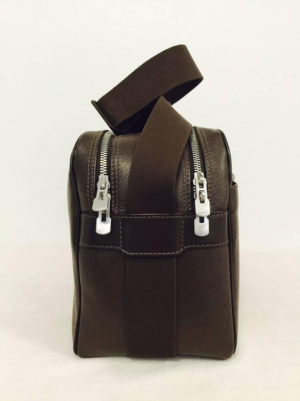 9e3e0b77a7c6 Luxurious Louis Vuitton Taiga Acajou Reporter Cross Body Bag PM 3 ...