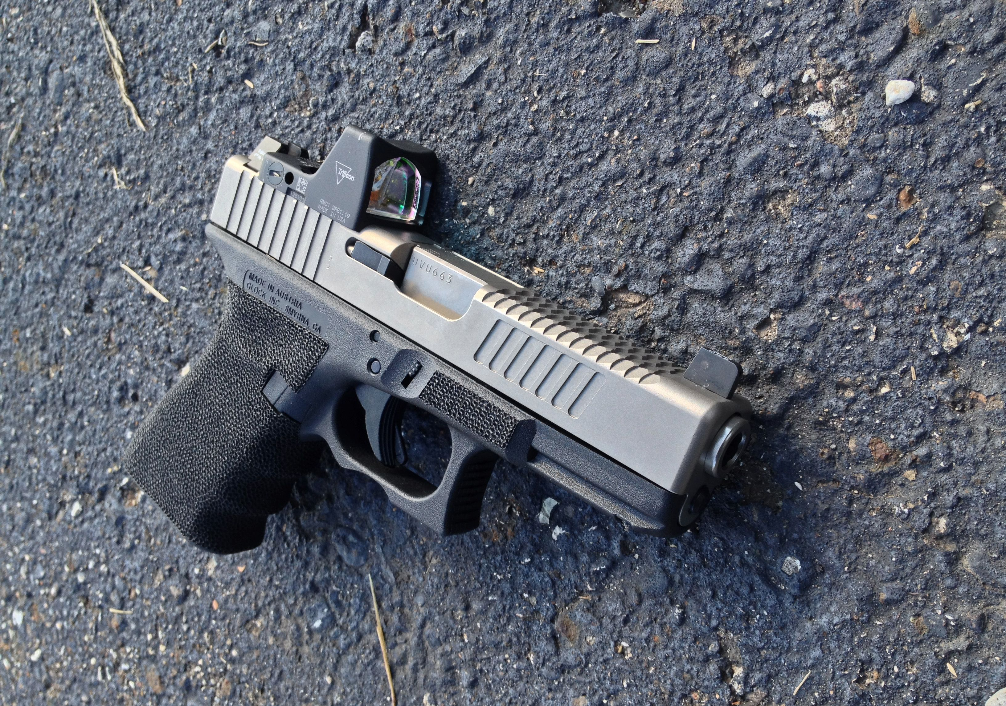 Glock 19 with complete DC Optics Elite slide and frame packages ...