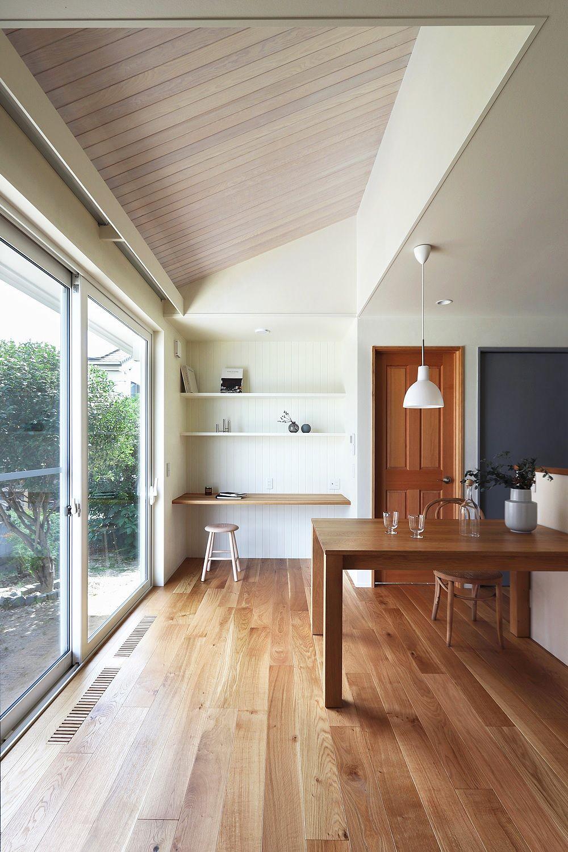 1階だけで生活が完結する家事動線の良い家 ハウスデザイン リビング 天井高 家