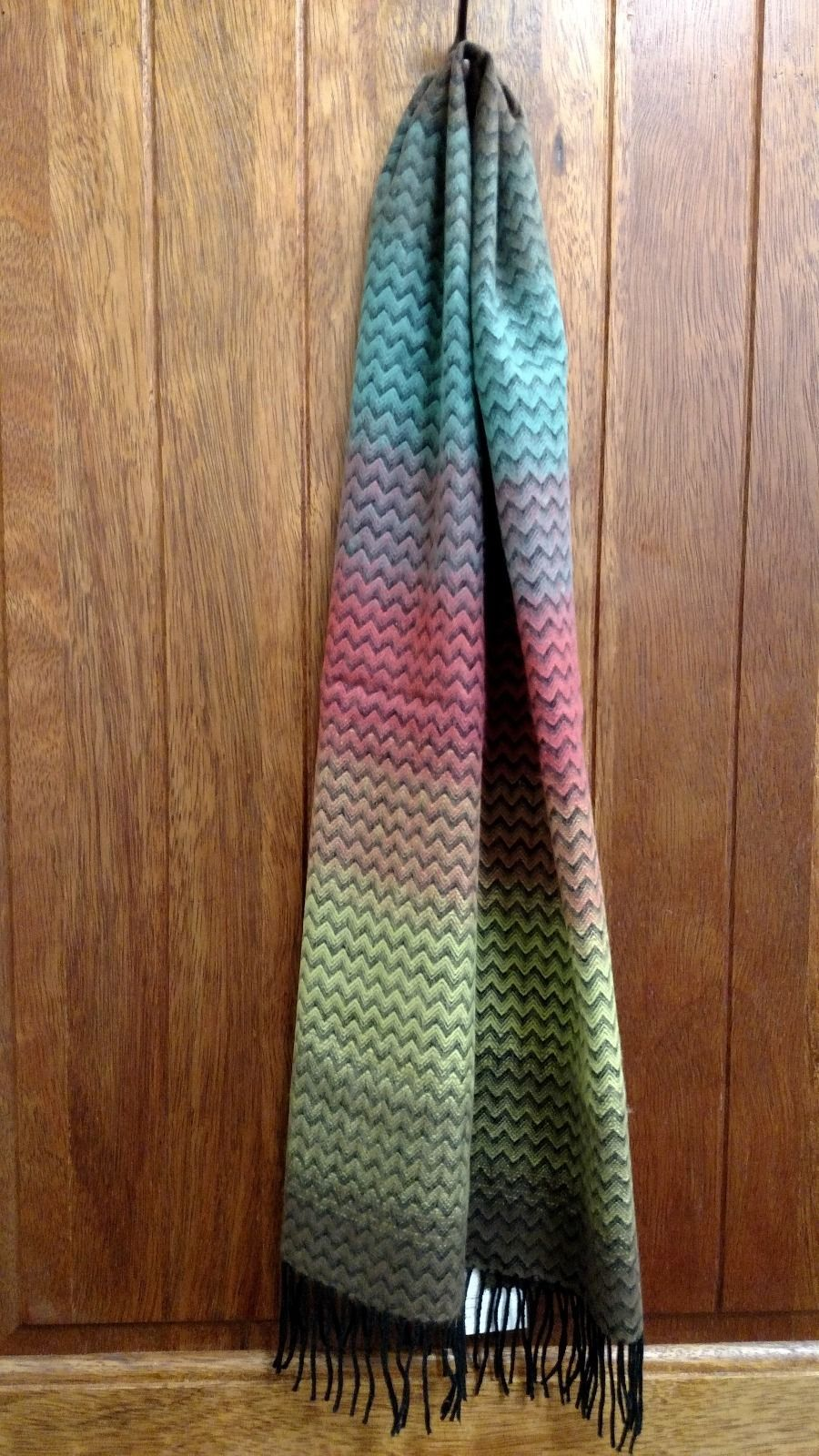New D&Y David and Young Softer Than Cashmere Multicolored Scarf https://t.co/Sbskb0uGn6 https://t.co/lf6sdQibpW