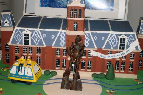 A cake replica of Woodburn Hall (and other WVU points of interest)!!! AHH!