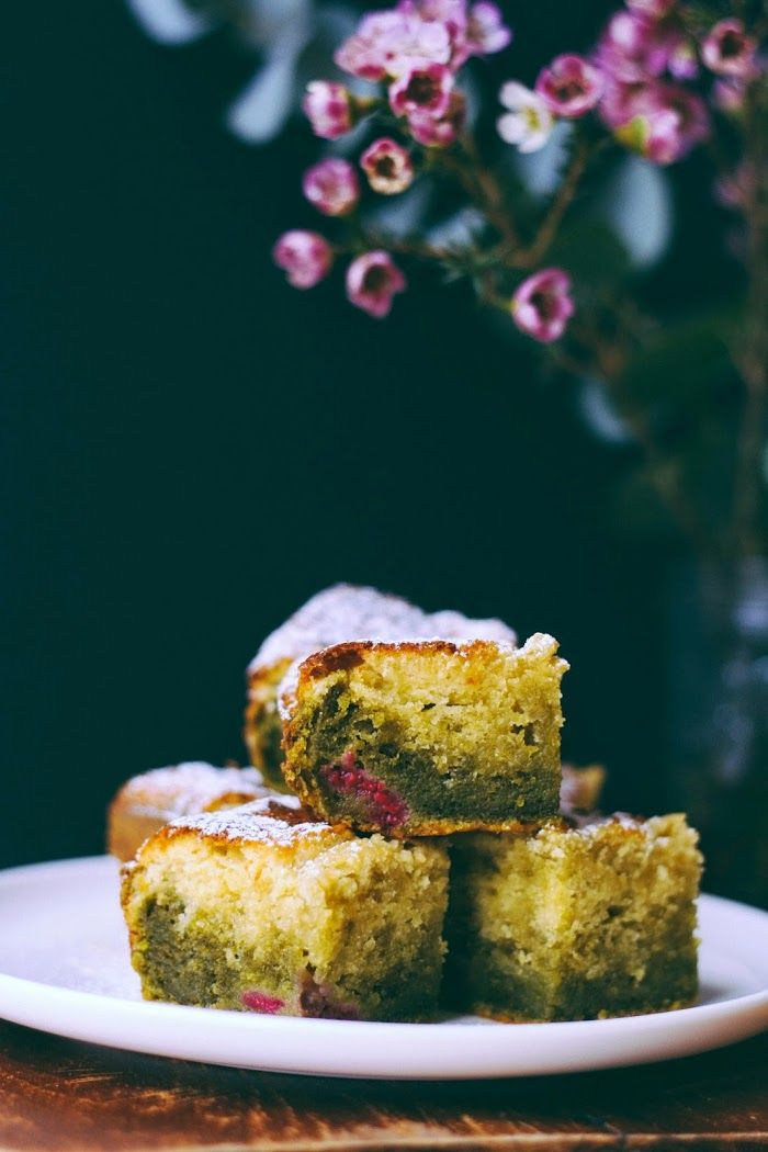 Lily's kitchen book: CAKE CHOCOLAT BLANC - THE MATCHA - FRAMBOISES / raspberry, matcha, white chocolate cake