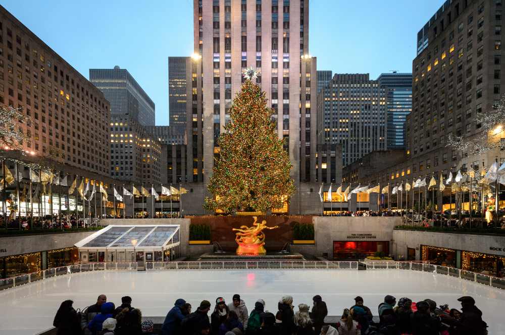 The Rink at Rockefeller Center 2019 guide in 2020   New york christmas, New york city christmas ...