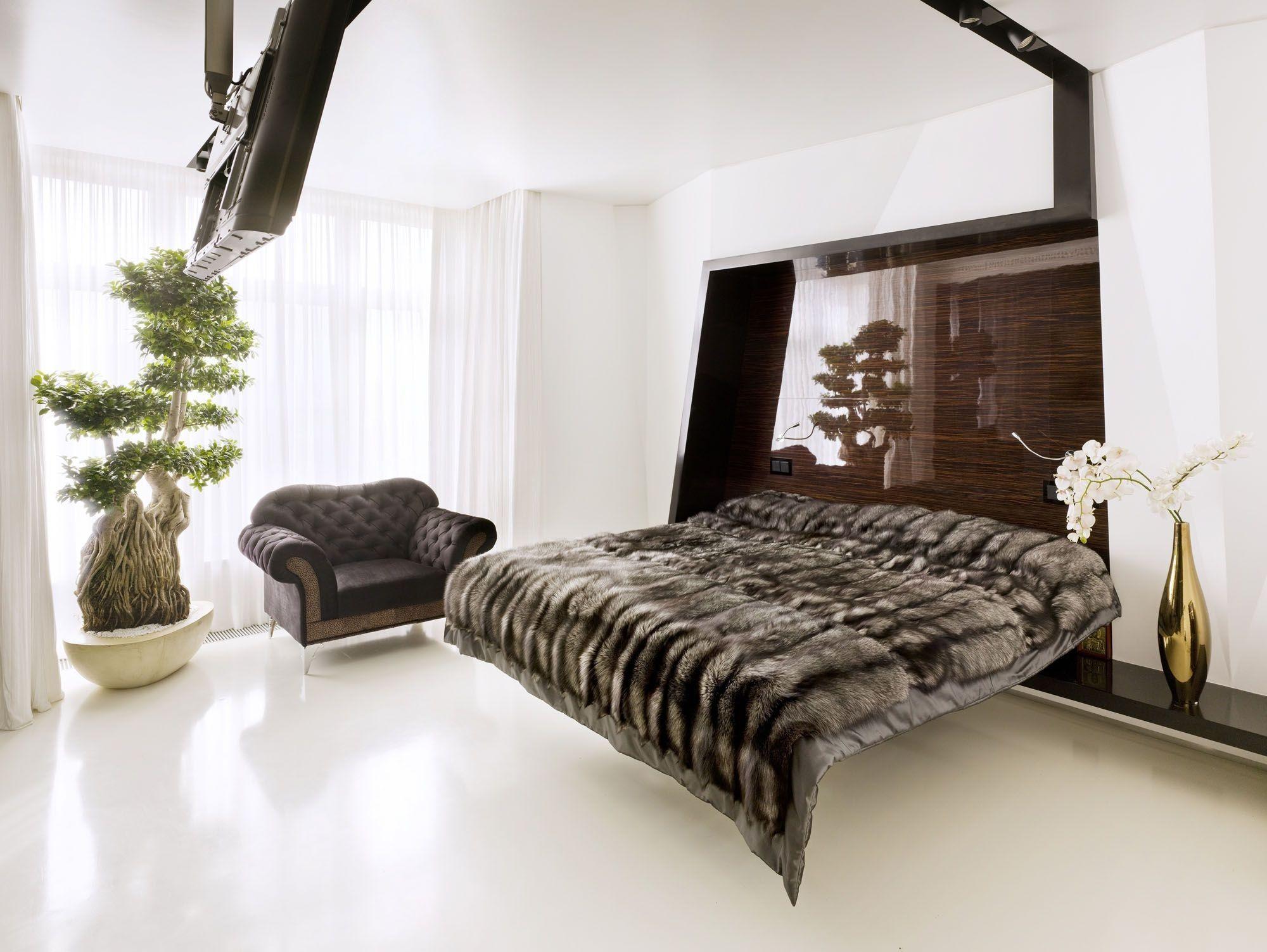 Mediterranes Schlafzimmer ~ Bedroom with fur blanket fur throw schlafzimmer mit pelzdecke