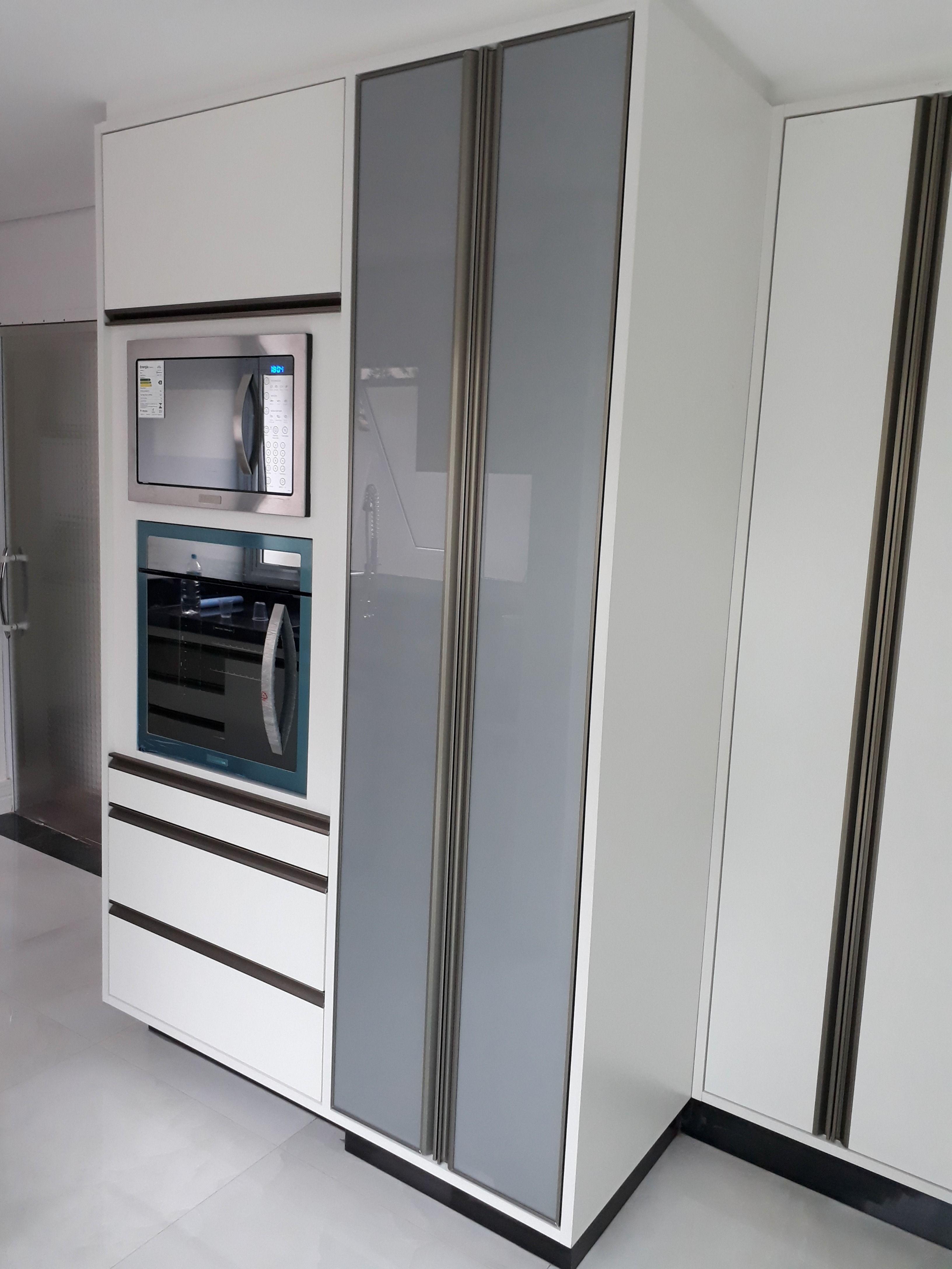 Cozinha Planejada Com Ilha Mdf Branco E Mdf Gianduia Resistentes