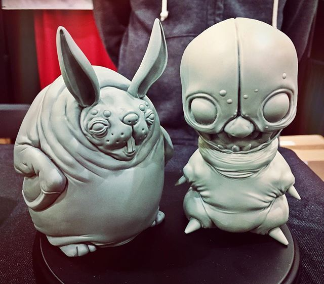 For the diy lovers... Clyde & Roger blanks are still available at Booth #1226 @cabbitq @dominicqwek #creature  #garagekit #designertoys #toycollector #collectable  #toys  #resinkits #resin  #手办 #模型 #ガレージキット  #toyart #sculpture #fantasy #horror  #3dprinting #roger #aliens #dcon #diy #customtoy #painter #paint  #bunny  #ninja #clown #designercon